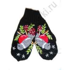 Дизайнерские варежки ручной вязки с вышивкой 55