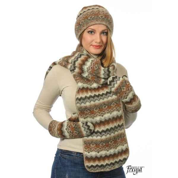 Комплект: шапочка, варежки и шарф 08114-47